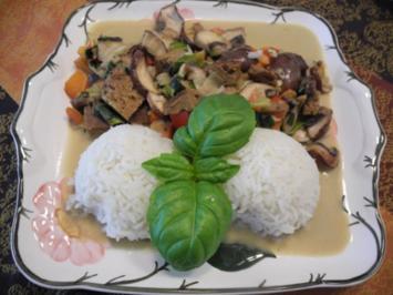 Vegan : Seitan - Curry - Pfanne mit Reis - Rezept