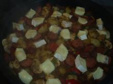 Gemüsepfane mit Cabanossi und Camembert - Rezept