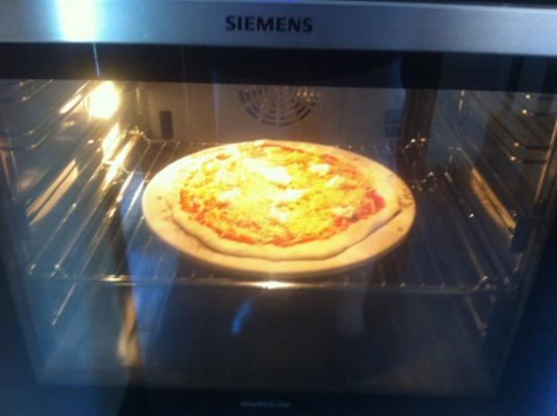 Pizza Margarita - Rezept - Bild Nr. 8