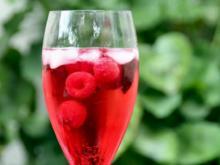 Himbeer-Prosecco mit Minze - Rezept