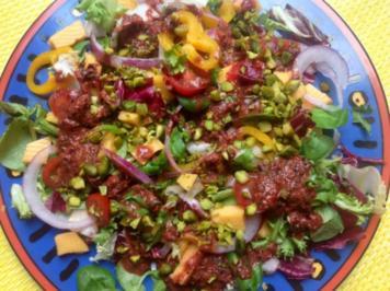 Fruchtiger gemischter Salat mit Käse - Rezept