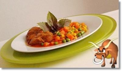 Rinderbeinscheibe mit Gemüse und Stampfkartoffeln - Rezept