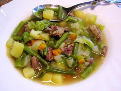 Grüne Bohnensuppe mit Ochsenschwanz ... - Rezept