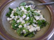 Salat : Ziegenkäse-Salat mit Basilikum und Leinöl - Rezept