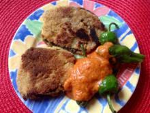 Auberginenschnitzel mit Bratpaprika und einer Dattel Paprika Sauce - Rezept