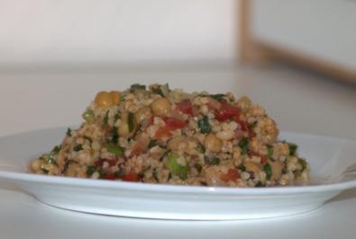 "Bulgur-Salat ""Resteverwertung"" - Rezept"