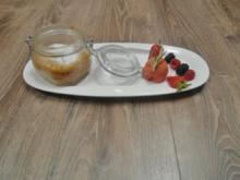Apfel-Kefir Küchlein an Erdbeer-Rosmarin-Sorbet - Rezept