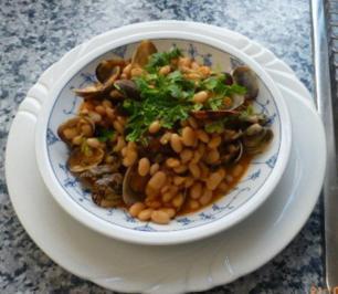 Weiße Bohnen mit Venusmuscheln - Rezept