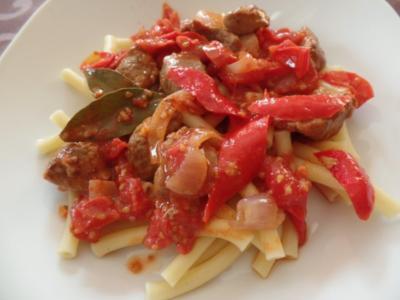 Maccaroni mit Lamm-Ragu - Rezept