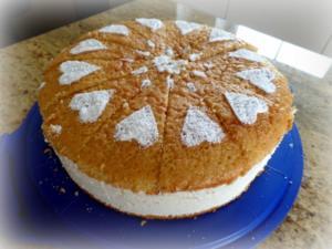 Zitronen-Käse-Sahne-Torte - Rezept