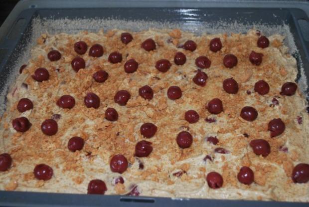 Kirsch-Espresso-Kuchen mit Amarettini - Rezept - Bild Nr. 2