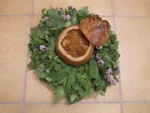 Feuriger Gulasch vom Dreibock im Brotlaib - Rezept