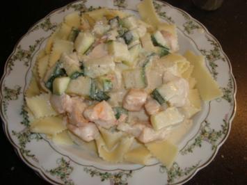 Pasta mit Lachs-Zucchini-Frischkäse-Sauce - Rezept
