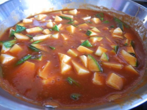 Vegan : Tofu - Gulasch mit Zuckerschoten und Zucchini - Rezept - Bild Nr. 7