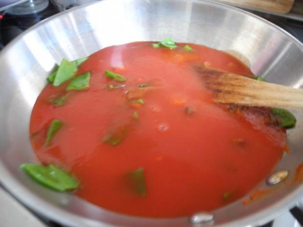 Vegan : Tofu - Gulasch mit Zuckerschoten und Zucchini - Rezept - Bild Nr. 5