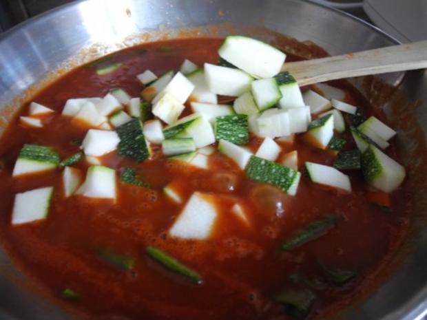 Vegan : Tofu - Gulasch mit Zuckerschoten und Zucchini - Rezept - Bild Nr. 6