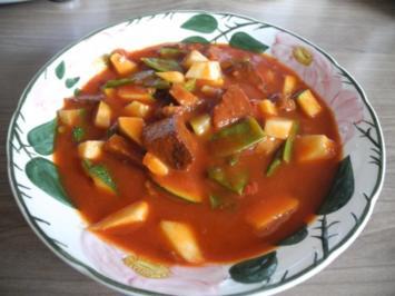 Rezept: Vegan : Tofu - Gulasch mit Zuckerschoten und Zucchini