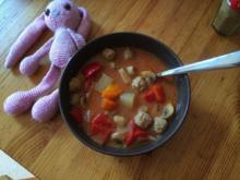 tomatiger Gemüse-Fleischbällchen-Eintopf - Rezept
