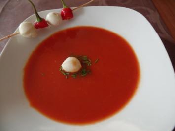 Tomaten -Chilisuppe mit Mozzarella - Rezept