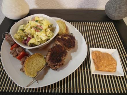 Everyway That I Can - Hackfleischspieß, Lammspieß, leichter Kartoffelsalat & Schafskäsedip - Rezept