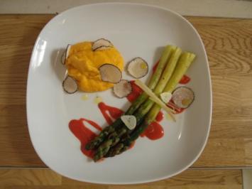 Marinierter grüner Spargel vom Grill, Himbeersößchen, Süßkartoffel-Mandelmousse & Trüffel - Rezept