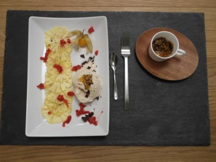 Kokos-Eis auf Ananas-Carpaccio, Vanille-Limetten-Dressing & Sesam-Reis-Krokant (Thailand) - Rezept