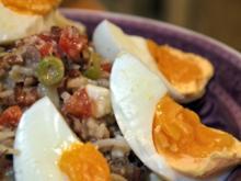 Reissalat mit Thunfisch, Ei und Ziegenkäse - Rezept