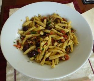 Pasta mit Tomaten-Mandel-Pesto - Rezept