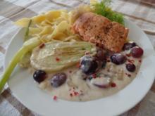 Lachs in einer Fenchel-Trauben -Weißwein -Soße - Rezept