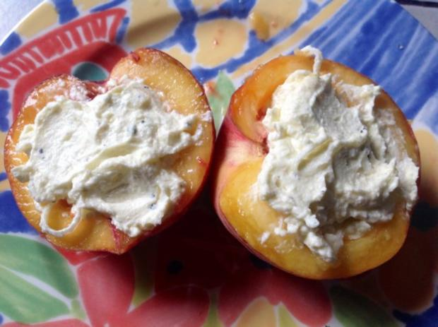 Gebackener Pfirsich auf Salat - Rezept - Bild Nr. 5