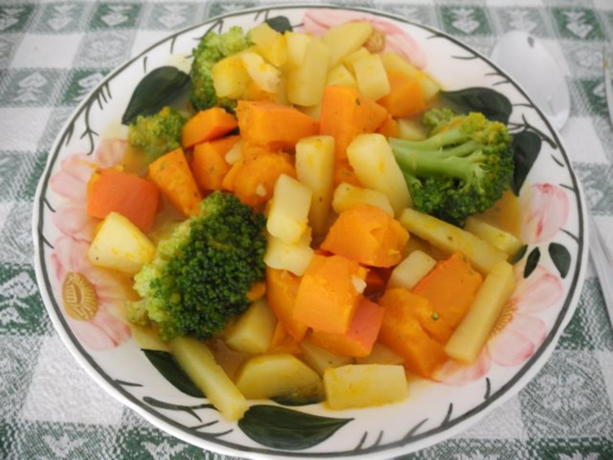 Schonkost : Kürbis - Kartoffel - Brokkoli in Gemüsebrühe