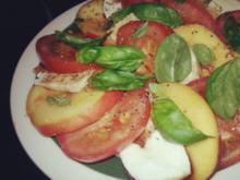 Insalata caprese mit Pfirsichen - Rezept
