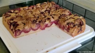 Zwetschgen-Kuchen mit Mandelkruste - Rezept