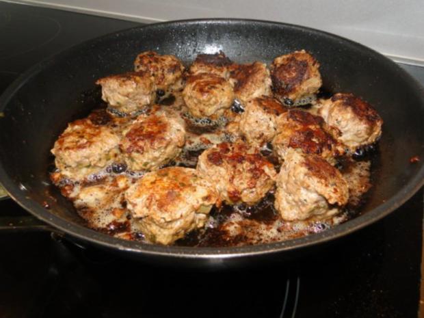 Kohlrabi-Kartoffelauflauf mit Käse Männe wollte Frikadellen dazu - Rezept - Bild Nr. 7