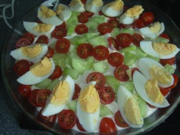 Schichtsalat mit geschmorter Paprika - Rezept