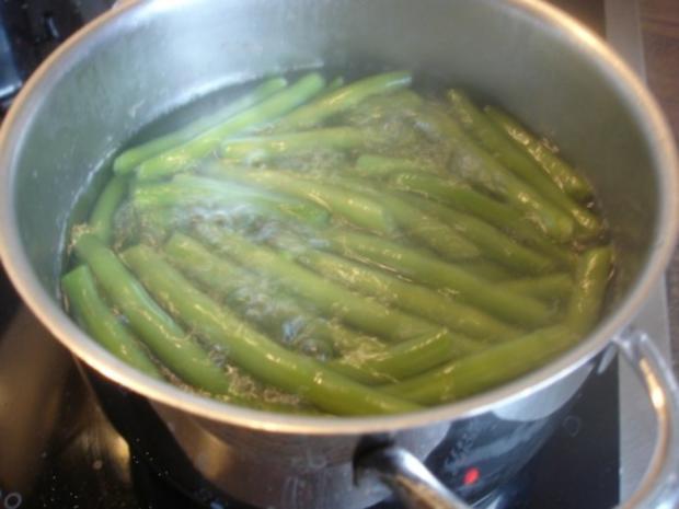 Pilzbuletten mit grünen Bohnen und Kartoffelstampf - Rezept - Bild Nr. 5