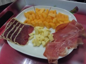 ~ Kalte Vorspeiseplatte mit Melone, Schinken und Käse ~ - Rezept