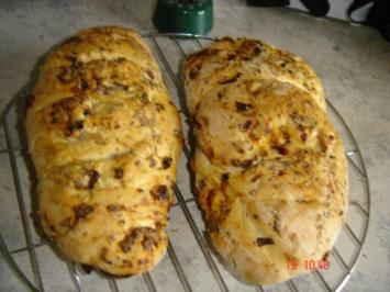 Rezept: Tomaten-Zwiebel-Brot