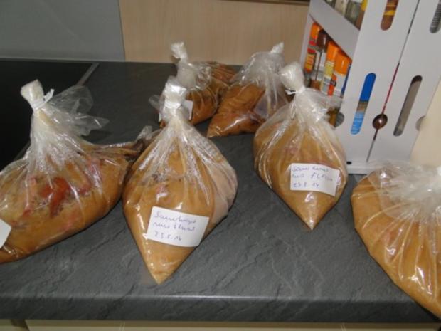 Apfel-Zwiebel-Sauerkraut mit Eisbein, ger. Rippchen und ger. Mettwürstchen und Kasseler - Rezept - Bild Nr. 13