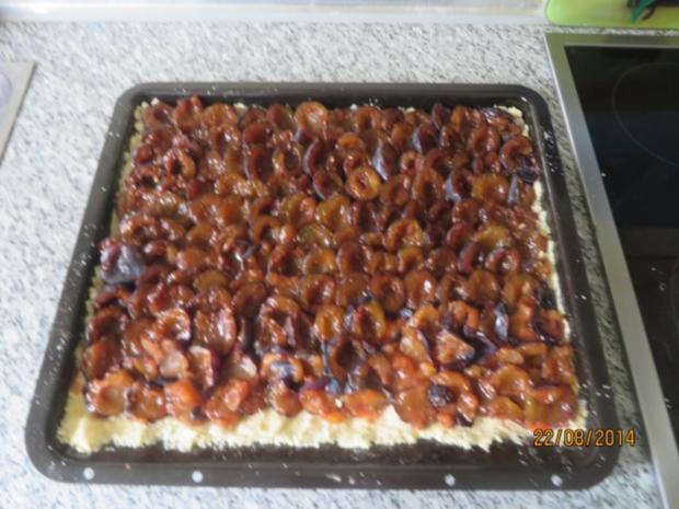 Zwetschgenkuchen Mit Knusperstreuseln Vom Blech Rezept Kochbar De