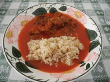 Tomatensoße mit Sojastücke an Naturreis - Rezept