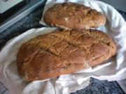 Brot: Roggen-Dinkelbrot mit Rapssamen - Rezept