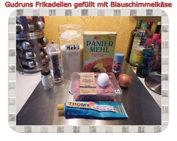 Hackfleisch: Gefüllte Frikadellen mit Blauschimmelkäse und Tomaten-Gorgonzolasoße - Rezept - Bild Nr. 2