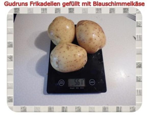 Hackfleisch: Gefüllte Frikadellen mit Blauschimmelkäse und Tomaten-Gorgonzolasoße - Rezept - Bild Nr. 8