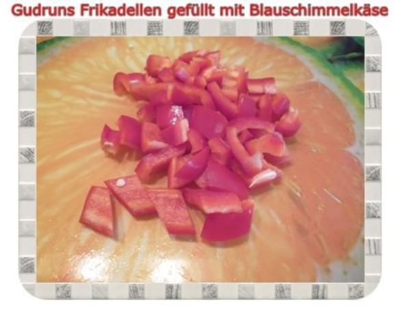 Hackfleisch: Gefüllte Frikadellen mit Blauschimmelkäse und Tomaten-Gorgonzolasoße - Rezept - Bild Nr. 13