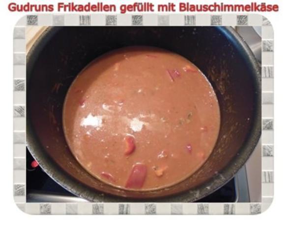 Hackfleisch: Gefüllte Frikadellen mit Blauschimmelkäse und Tomaten-Gorgonzolasoße - Rezept - Bild Nr. 14
