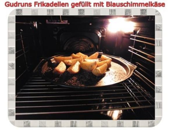 Hackfleisch: Gefüllte Frikadellen mit Blauschimmelkäse und Tomaten-Gorgonzolasoße - Rezept - Bild Nr. 16