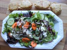 Gemischter Salat mit Welsh Rarebits - Rezept