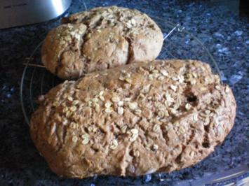 Brot: Dinkel-Roggen-Vollkornbort - Rezept