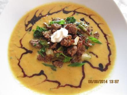 Kürbis-Suppe mit Hack - Rezept